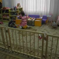 10 отличающих особенностей деревянных детских манежей