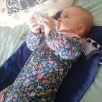 Поить водой или не поить новорожденных
