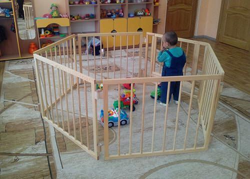 Купить нужный деревянный манеж для ребенка в интернет магазине Manezhi.com